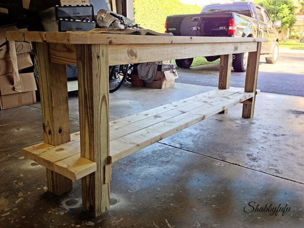 Build your own side table, complete plans by Shabbyfufu featured on @Remodelaholic