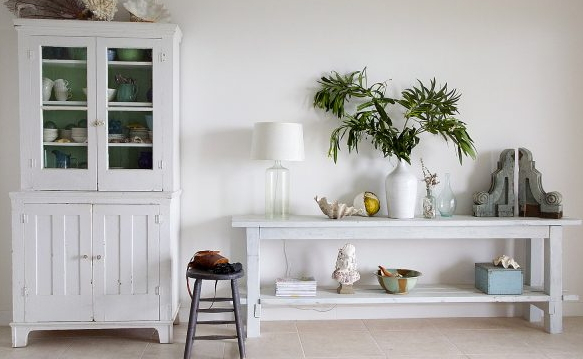 Remodelaholic _ How to Build a No-Nails Console Table + Layering Milk Paint