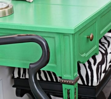 Beautiful Green Entry Table + Tips for Chalk Paint