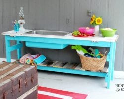 Upcycled-wooden-door-and-kitchen-sink-make-a-stunning-poolside-table-by-Hunt-and-Host-featured-on-@Remodelaholic feat