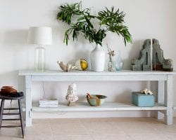 feat DIY-complete-tutorial-for-creating-a-beach-inspired-console-table-by-Shabbyfufu-featured-on-@Remodelaholic