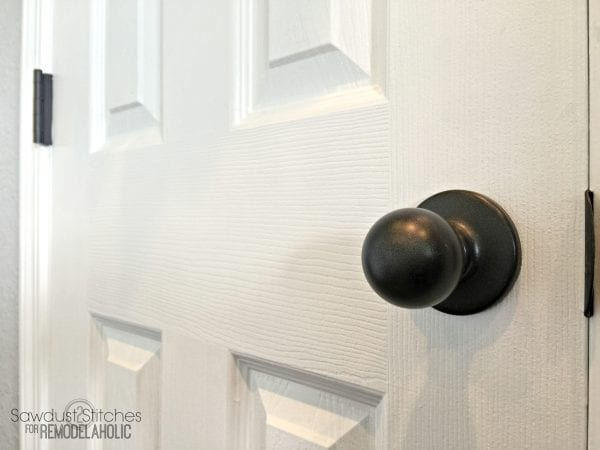 How to upgrade door knobs with spray paint -- the RIGHT way so you\u0027 : painting door - pezcame.com