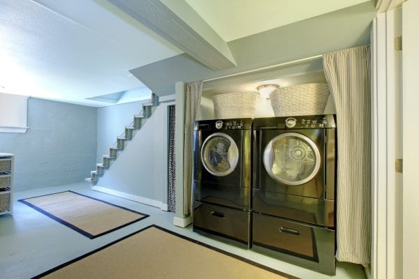 Take care of your washing machine by learning how to clean it