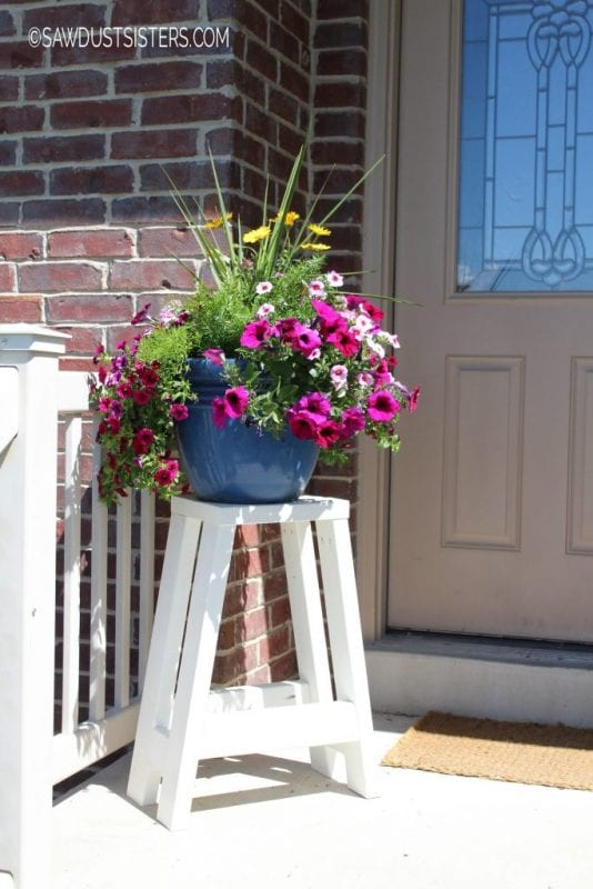 diy stool or plant stand from only 2x4s Sawdust Sisters