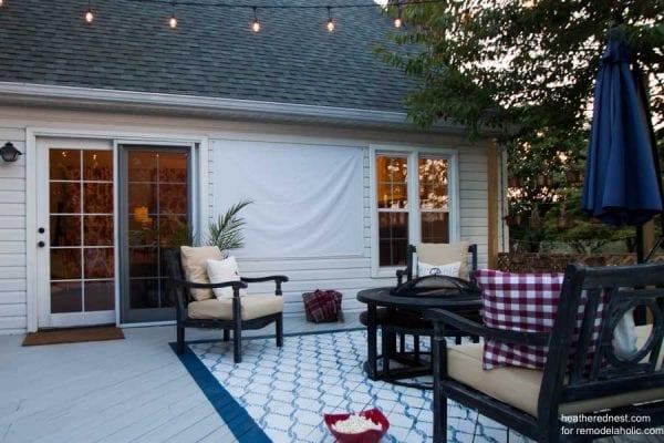 DIY-outdoor-movie-screen-heatherednest.com