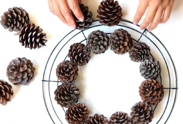 DIY-pinecone-wreath-apieceofrainbowblog (18)