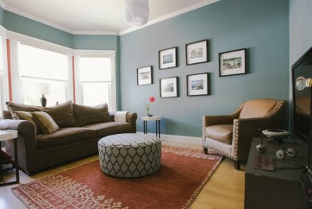 Wall color is Aegean Teal from Benjamin Moore. Color Spotlight on Remodelaholic Image via Nanette Wong