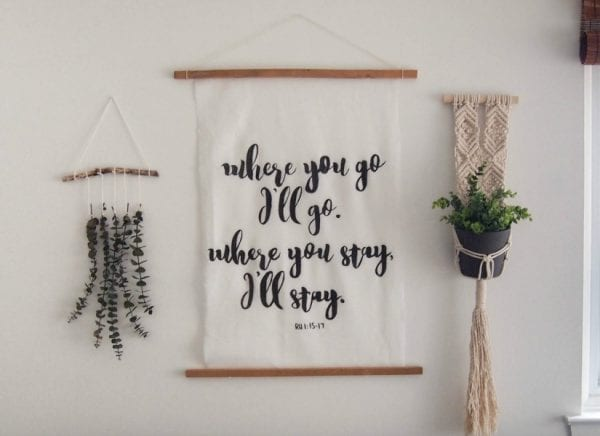 DIY Large Hand-painted calligraphy art.   The Learner Observer for Remodelaholic.com