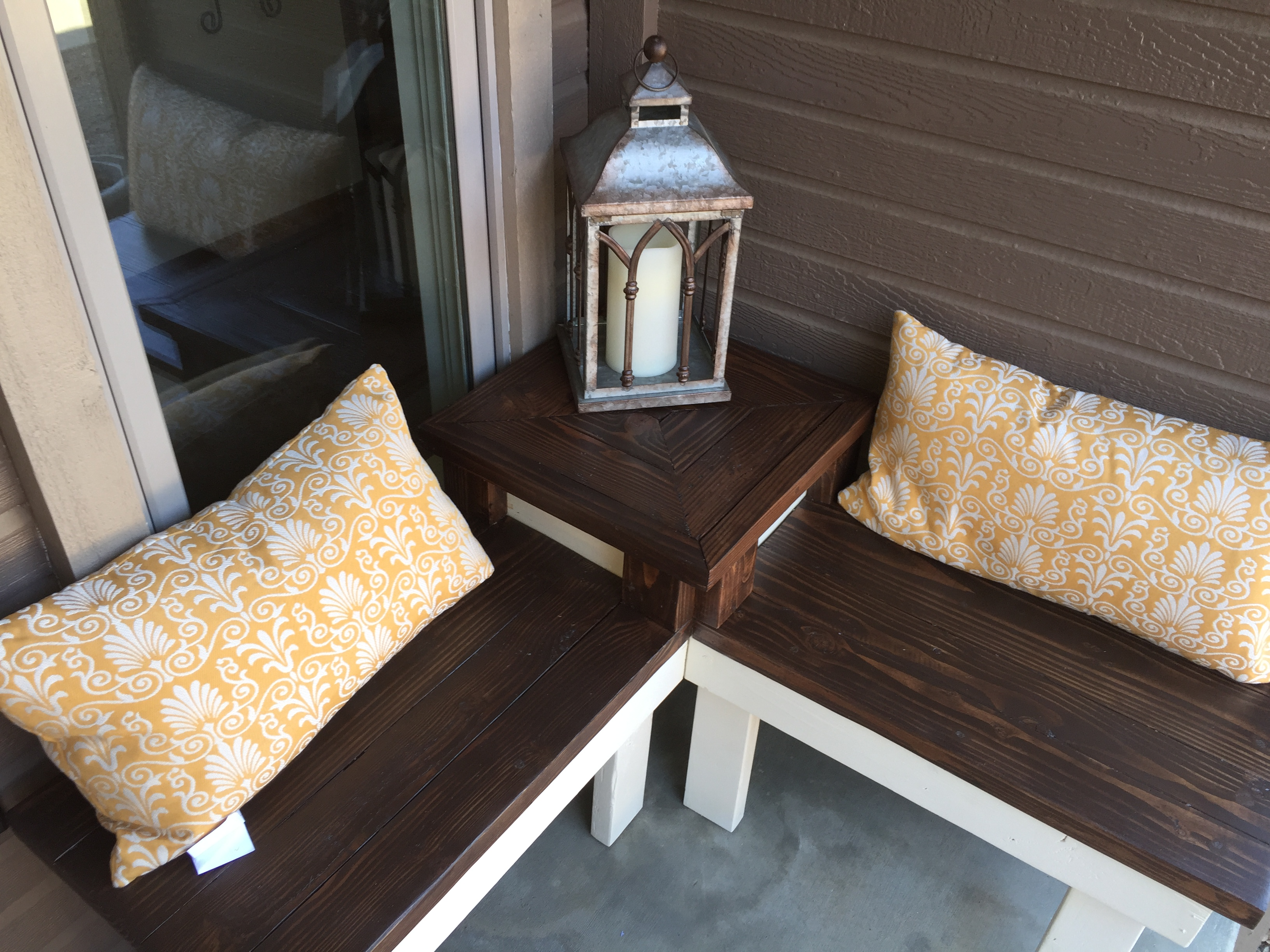 Perfect Porch Bench A Corner With Attached Table Pinspiration Mommy Featured On
