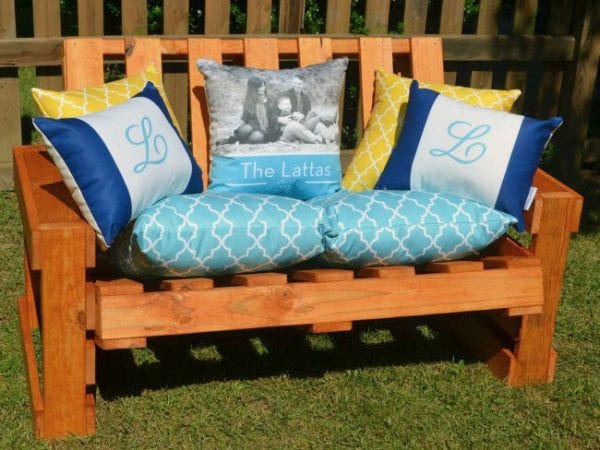 diy-pallet-bench-by-one-artsy-mama-featured-on-remodelaholic