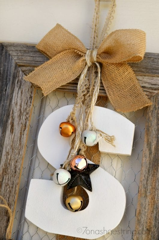 DIY Fall wreath using picture frame by 7-on-a-shoestring featured on remodelaholic