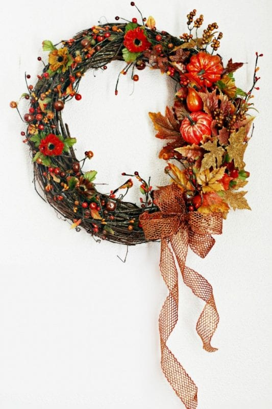Fall wreath ideas by frugal-momeh_ on remodelaholic