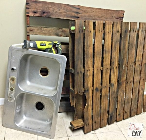 how to make a patio from pallets