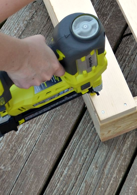 diy-pallet-furniture-bench-for-garden-by-one-artsy-mama-featured-on-remodelaholic