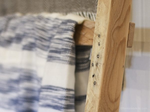 free-pallet-blanket-ladder-diy-tutorial-also-great-for-storing-shoes-remodelaholic-9115