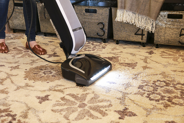 How to keep your house cvlean with Oreck Elevate vacuum @remodelaholic (7 of 7)
