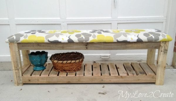 Pallet bench and 15 awesome pallet furniture ideas featured on remodelaholic.com