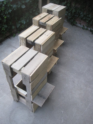 15 awesome pallet furniture ideas featured on remodelaholic.com