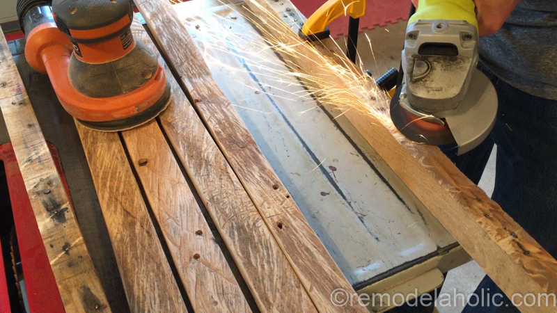 rustic-pallet-wood-blanket-ladder-10