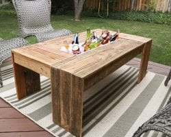 rustic-pallet-wood-coffee-table-remodelaholic-9188