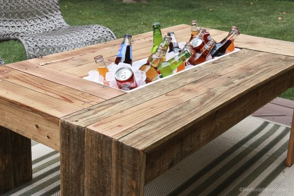 Remodelaholic how to build an outdoor octagon coffee for Outdoor coffee table with cooler