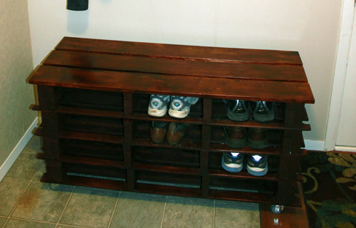 pallet-shoe-storage-bench-diy-between-3-sisters