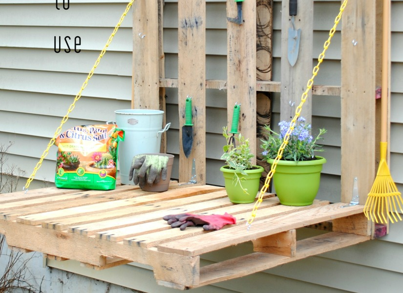 Do It Yourself Home Design: 37 Whole Pallet Projects, AKA Things You