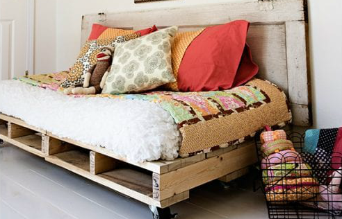 easy-diy-pallet-daybed-with-old-door-headboard-ashley-ann-photography
