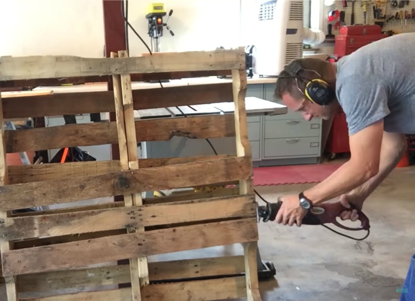 Famous Remodelaholic | Pallets 101: Where to Find Pallets, How to Choose  AX29