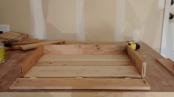 remodelaholic-pallet-wood-tray-11