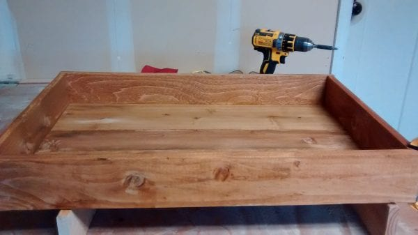 remodelaholic-pallet-wood-tray-16