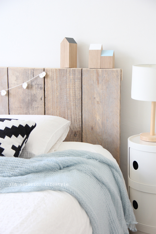 Remodelaholic friday favorites upcycled cable spools for Simple headboard