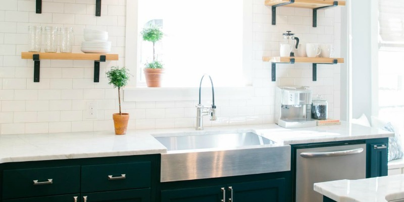 Remodelaholic 6 Design Elements Of A Fixer Upper Kitchen Diy Options