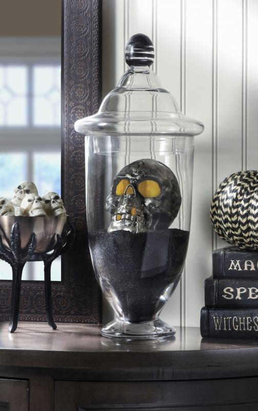 DIY Halloween Spooky Skull Display DIY Candy
