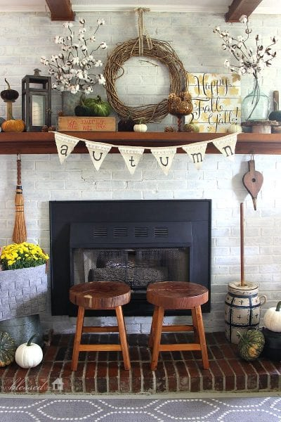 Take your decor from Fall to Thanksgiving by changing a couple of things and using this inspiration. 30 Perfect Thanksgiving Mantels Featured On Remodelaholic.com