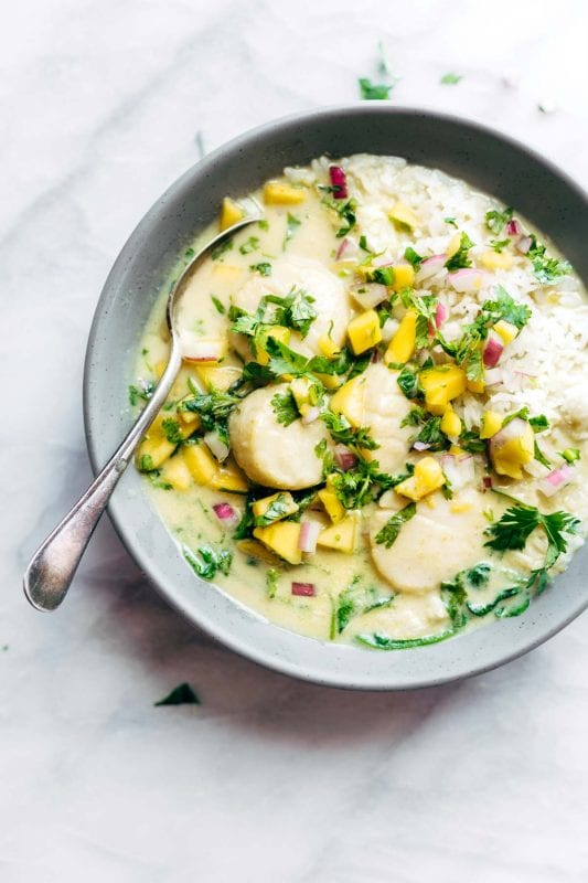 Green Curry Scallops with Mango Cilantro Salsa