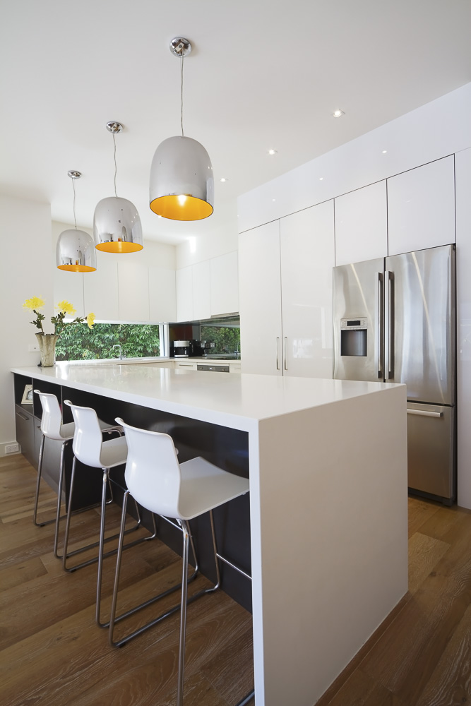 Picking Lighting For Your Kitchen @remodelaholic