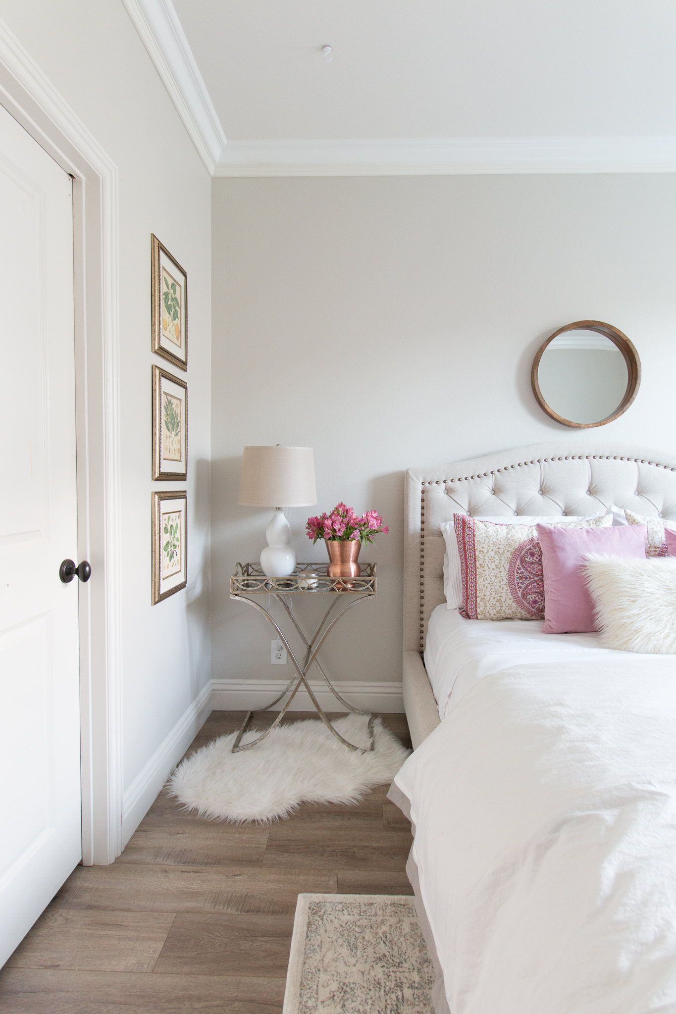 Remodelaholic color spotlight benjamin moore pale oak - How to decorate white walls in living room ...