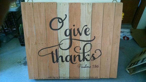 painted-pallet-give-thanks-sign-db-wood-fb-wm