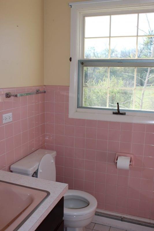 Pink Bathroom Before 12 Oaks Blo