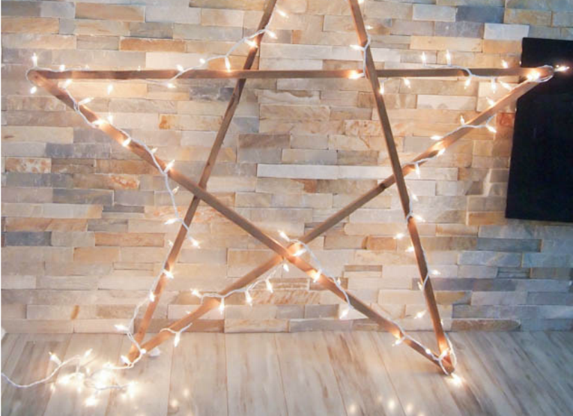 Remodelaholic Diy Large Rustic Wood Star With Lights For
