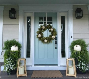 22 Festive Thanksgiving Porches