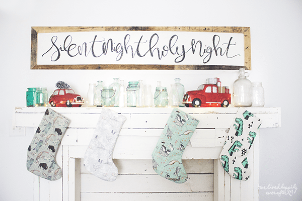 14 Pallet And Reclaimed Wood Mantel And Sign, By We Lived Happily Ever After Featured On @Remodelaholic