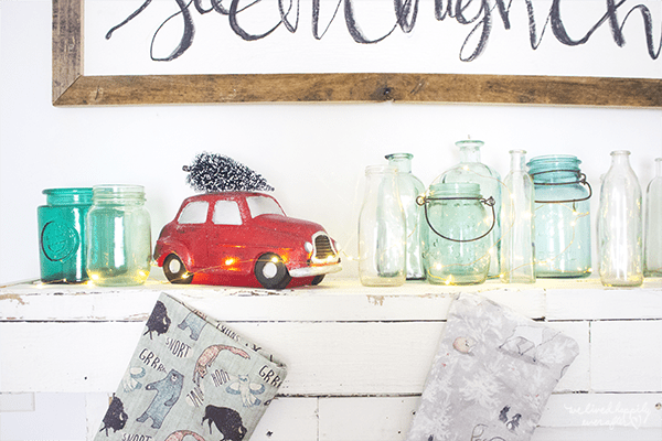 23 Rustic Christmas Decor, By We Lived Happily Ever After Featured On @Remodelaholic