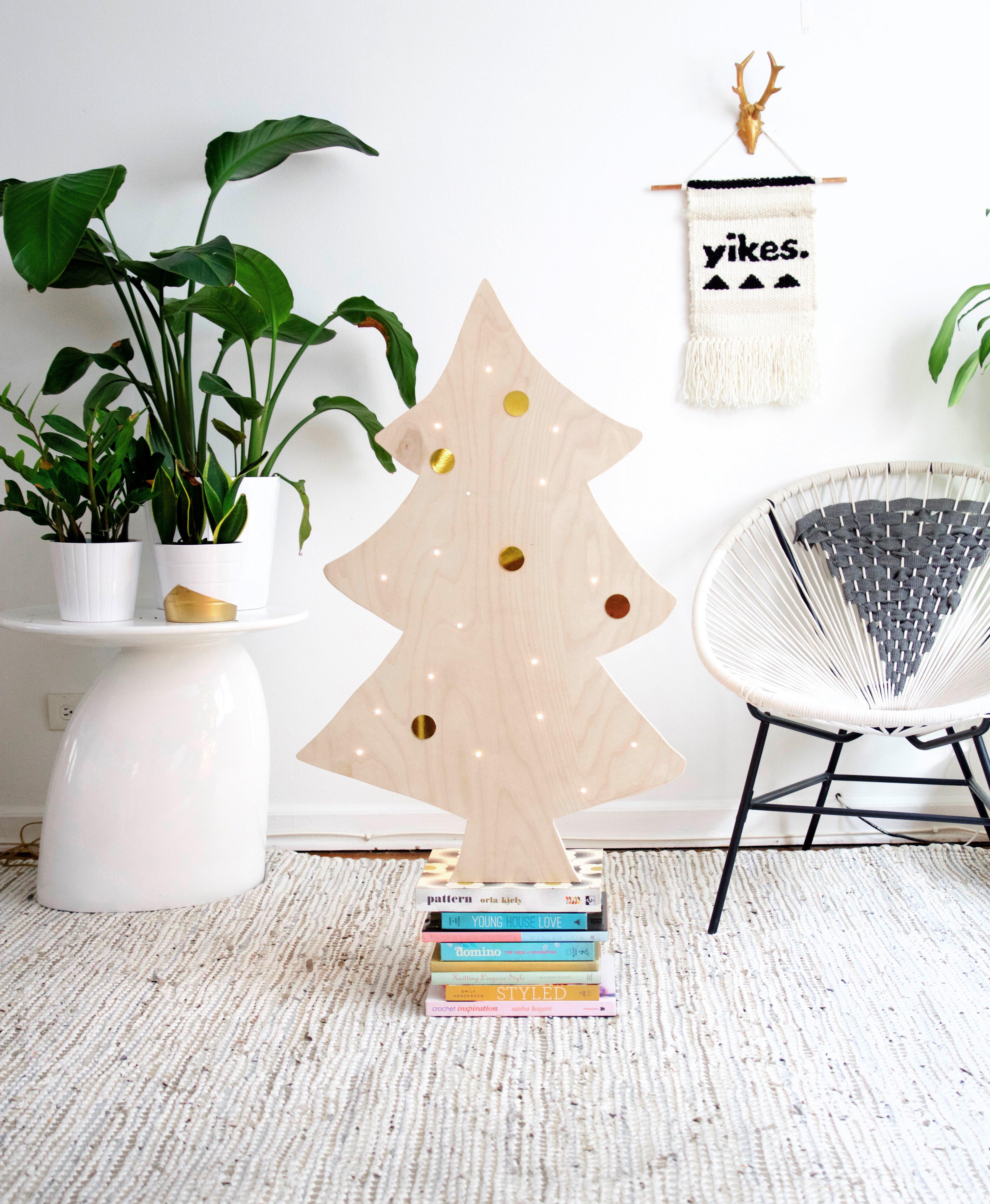 easy diy plywood christmas tree with lights