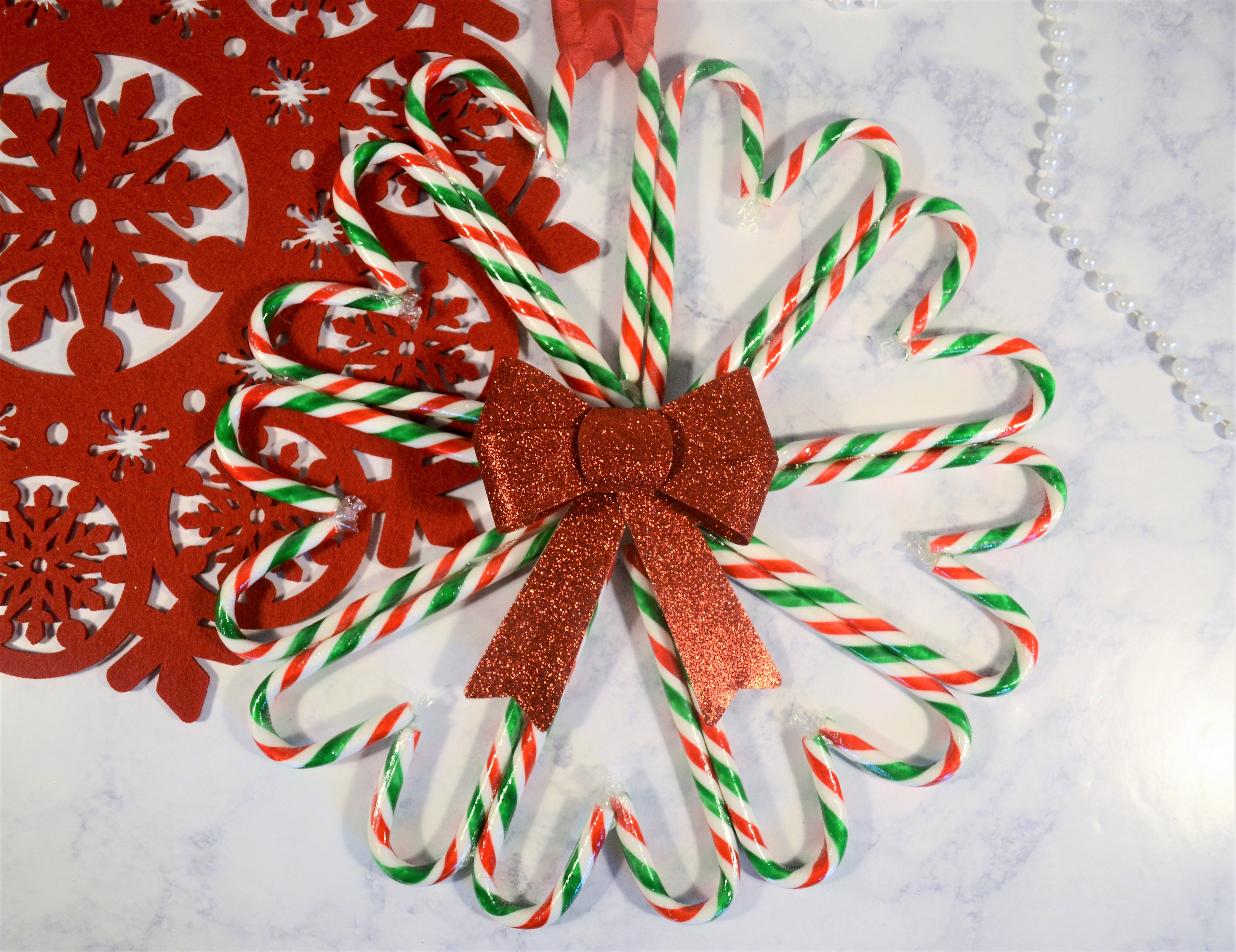 remodelaholic candy cane wreath