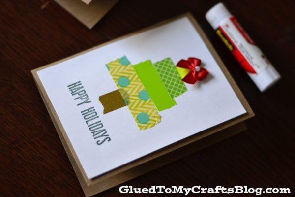 Washi Tape Christmas tree card. Send some handmade sentiments to your family and friends this Christmas season. Use one of these 11 Easy DIY Christmas Cards featured on Remodelaholic.com