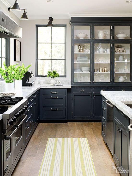 Great Dark Kitchen Inspiration