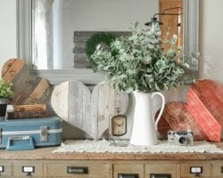 Feat Diy Pallet Hearts @remodelaholic