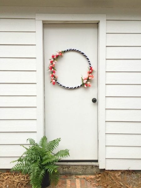 Make This Spring Tulips Wreath With A Hula Hoop